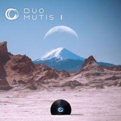 Duo Mutis: I
