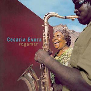 Cesária Evora en duo avec Ismaël Lô: Africa Nossa