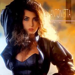 Antonietta: Una Mujer Nueva