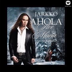 Jarkko Ahola: Jouluyö, juhlayö