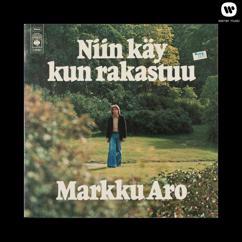 Markku Aro: Niin käy kun rakastuu